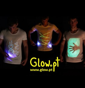 T-shirt Luminosa (inclui lanterna)